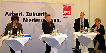 v.l.n.r.: Petra Tiemann, Stefan Politze, Stefan Schostok und Sigrid Leuschner